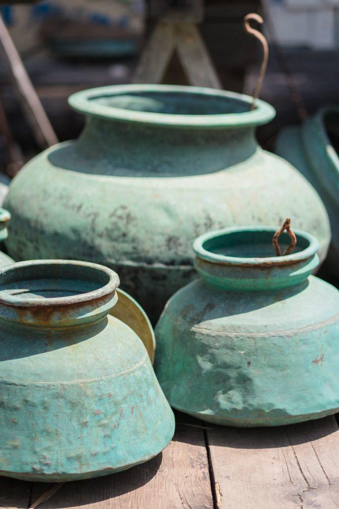 Gietijzeren potten - the RAINBOW series - Malta © 2018 Matthijs Jonker Fotografie