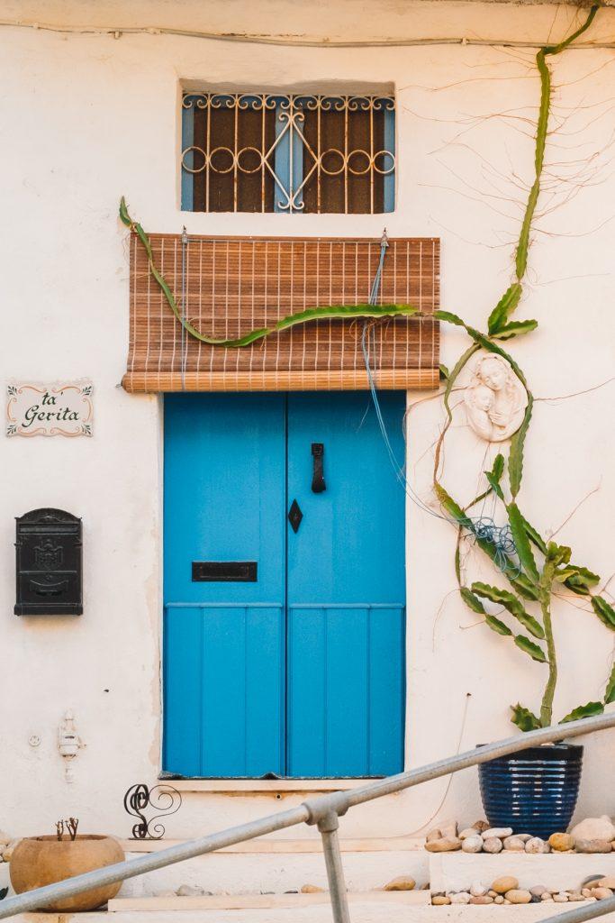 Voordeur - the RAINBOW series - Malta © 2018 Matthijs Jonker Fotografie
