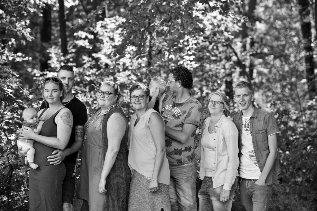Familie gezin fotoshoot Woensdregt, Rijmaaran, Schoonloo © 2018 Matthijs Jonker Fotografie