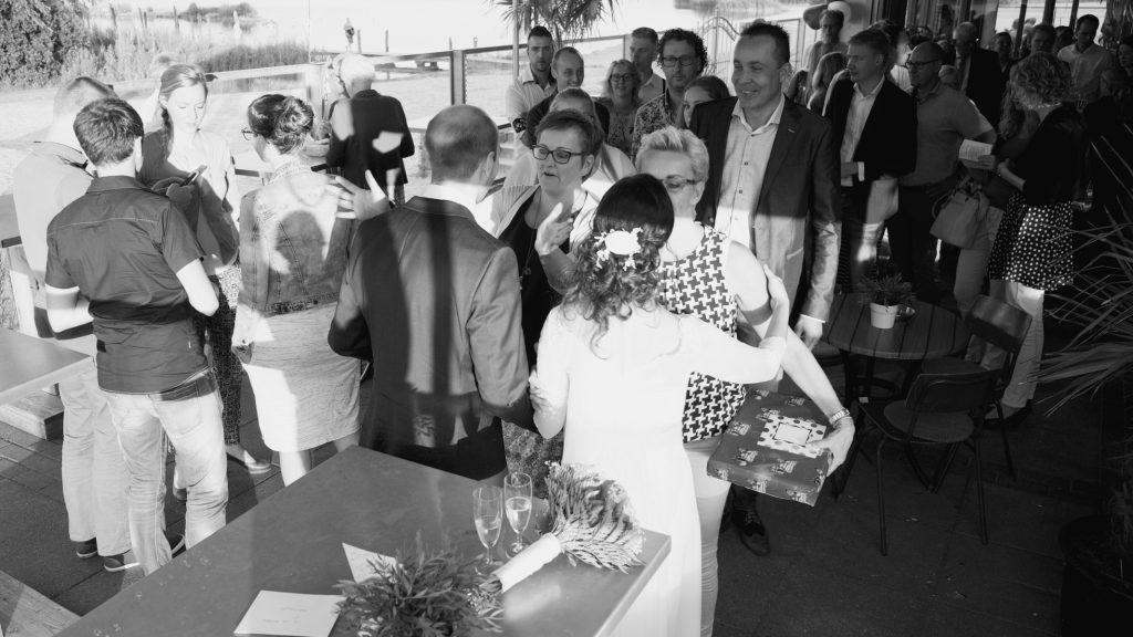 Felicitaties op de receptie - Bruiloft Lennart en Salomé, Kaap Flevo, Zeewolde © 2016 Matthijs Jonker Fotografie