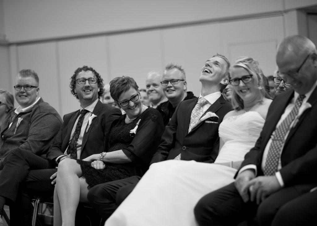 Humor in kerkdienst GKV Noorderlicht Assen - Bruiloft Polet-Woensdregt GKV Noorderlicht Assen © 2016 Matthijs Jonker Fotografie