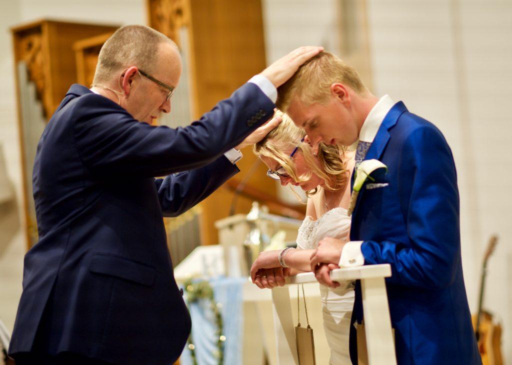Inzegening in kerkdienst GKV Noorderlicht Assen - Bruiloft Polet-Woensdregt GKV Noorderlicht Assen © 2016 Matthijs Jonker Fotografie