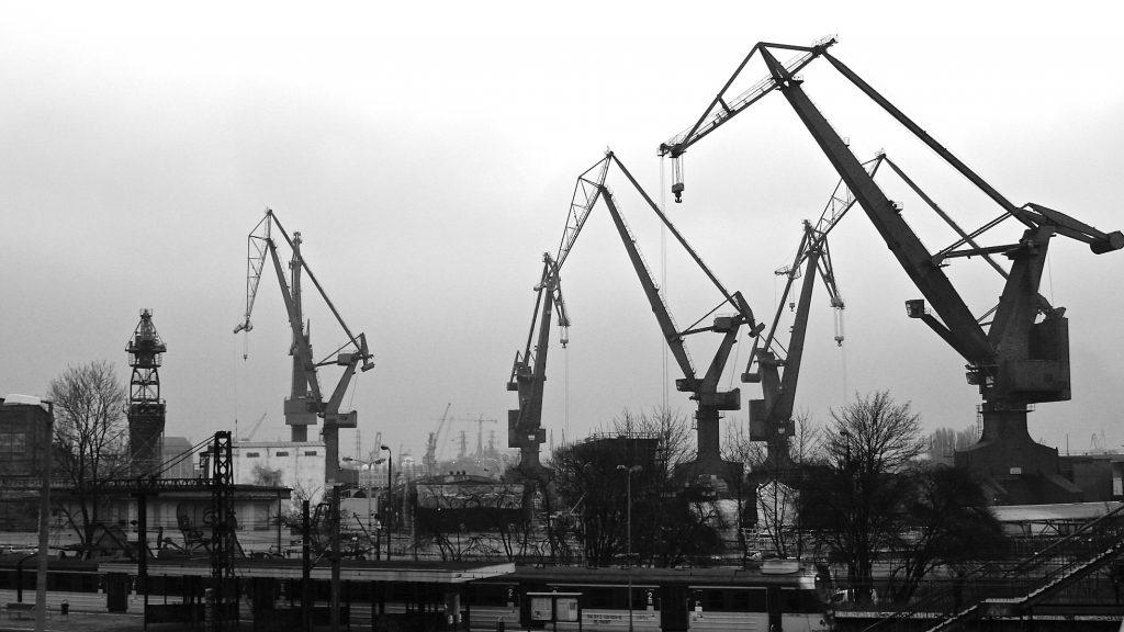 Kranen in scheepswerf Gdansk, Polen © 2015 Matthijs Jonker Fotografie