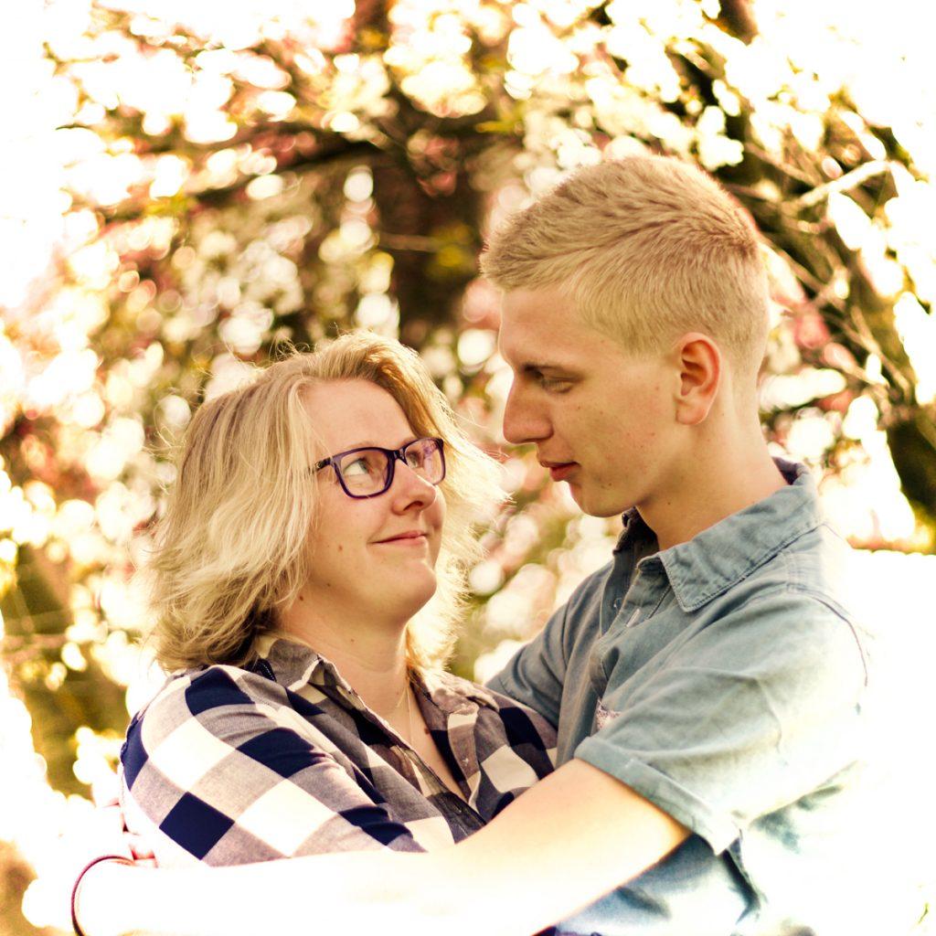 Onder de bloesem #2 - Loveshoot Polet-Woensdregt, Messchenveld, Assen © 2016 Matthijs Jonker Fotografie