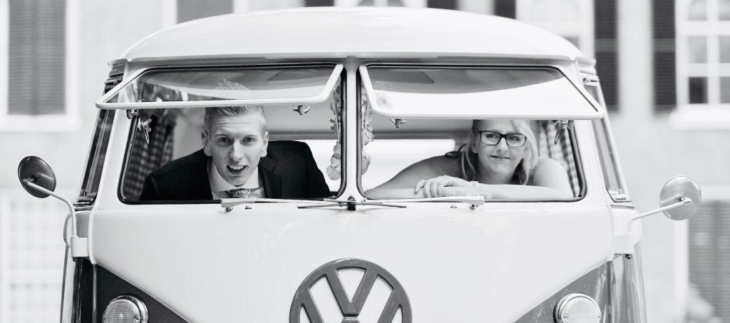 Raampjes open van Volkswagen T1 - Bruiloft Polet-Woensdregt Drents Museum Assen © 2016 Matthijs Jonker Fotografie