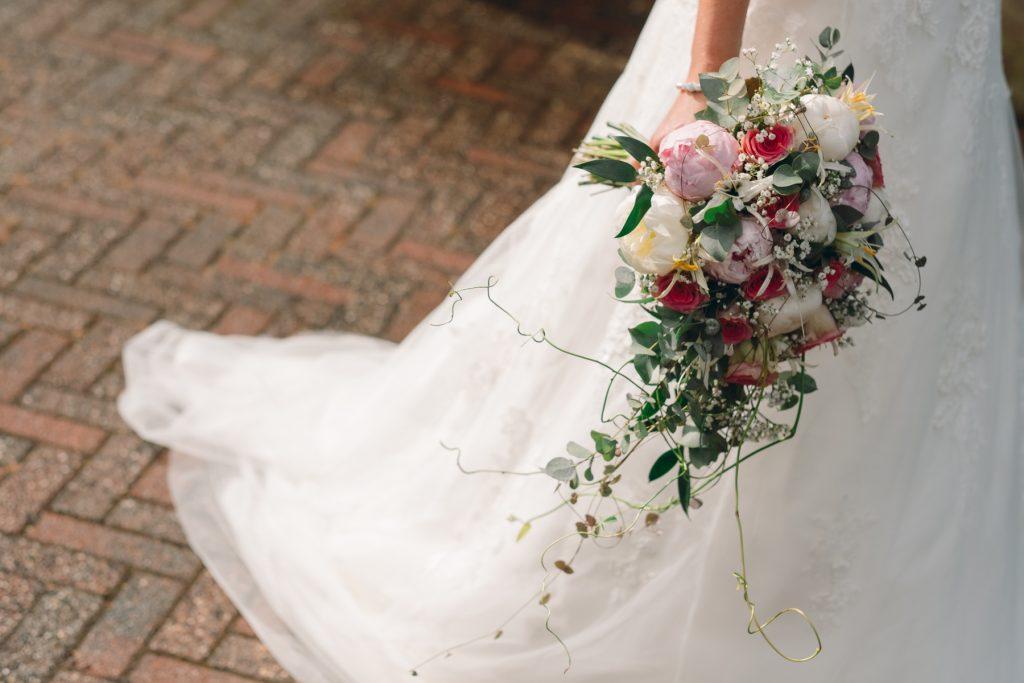 bruidsboeket, bruiloft Arjan en Marion, Smilde © 2018 Matthijs Jonker Fotografie