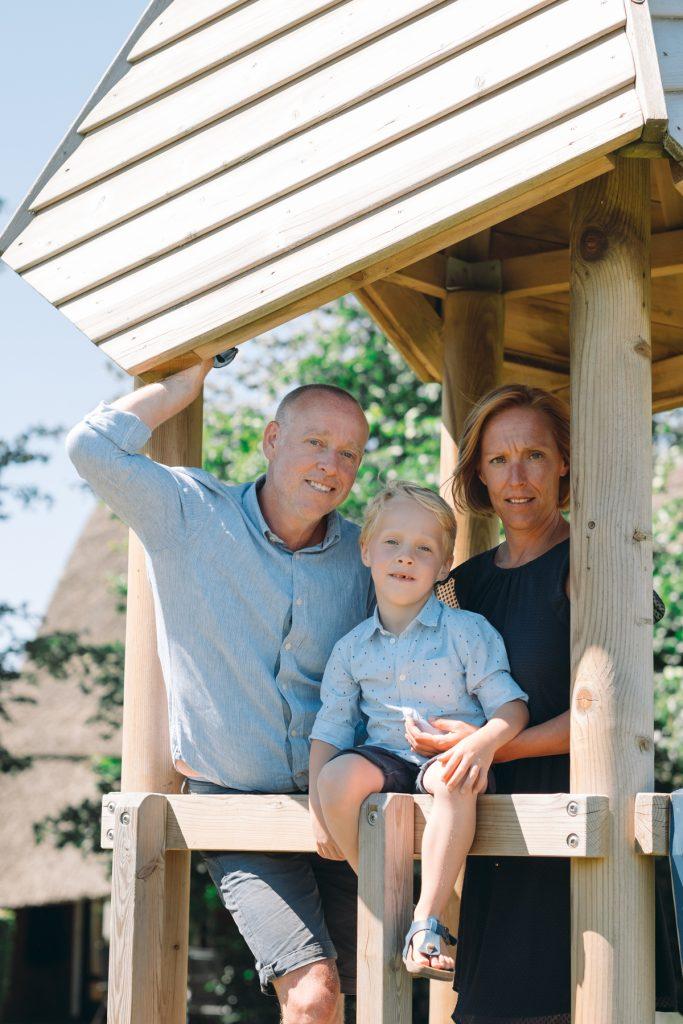 gezin, familiefotoshoot Gruben, Hof van Saksen, Rolde © 2018 Matthijs Jonker Fotografie